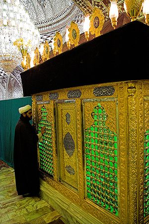 Imamzadeh Hamzah, Tabriz - The grave of Hamzah (son of Mūsā' al-Kādhim) with mirror work in the mosque