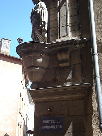 Montée du Gourguillon - A statue and the plaque of the street