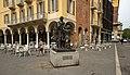 Monumento a Stradivari, Piazza Stradivari, Cremona, Lombardy, Italy - panoramio.jpg