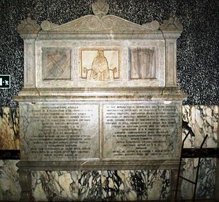 Il monumento funebre alla prima badessa Caterina Sanframondi sito nell'atrio dell'edificio.
