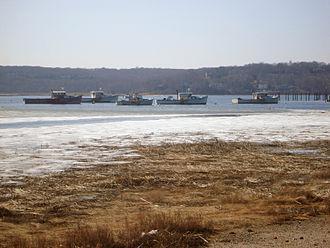 Cedar Beach (Brookhaven, New York) - Boats in Mount Sinai Harbor