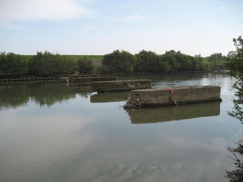 File:Nagareyama-bashi Trail bridge2.jpg
