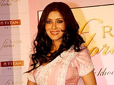 Nandana Sen launches Titan 'Raga Flora' collection (5).jpg