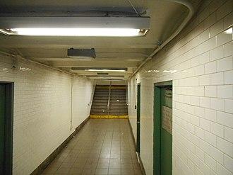Nevins Street (IRT Eastern Parkway Line) - Crossunder tunnel