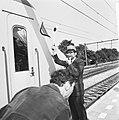 Nieuw NS Station in Diemen, burgemeester Strumpfler Tudeman van Diemen als stati, Bestanddeelnr 927-2118.jpg