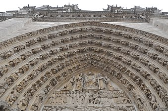 Notre-Dame de Paris, Tympanum of of the Last Judgment.jpg