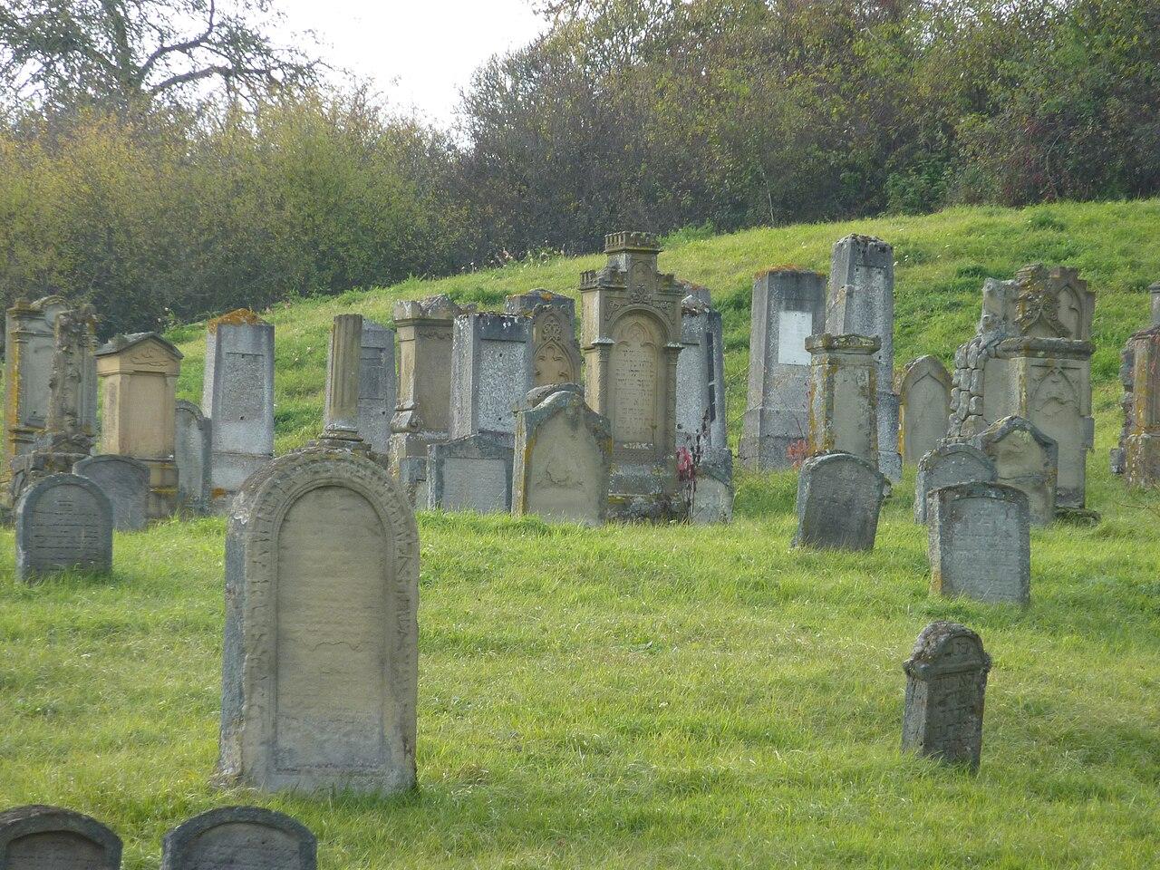 Obernzenn jüdischer Friedhof 3.jpg