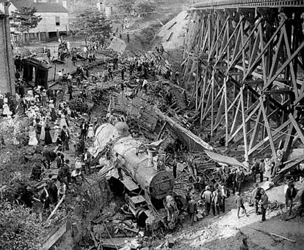 Wreck of the Old 97, 1903 Old 97 wreck at Stillhouse Trestle in Virginia - 1903 (2).jpg