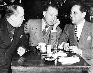 Harry Langdon - Image: Olsen and Johnson with Harry Langdon