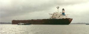 The bulk carrier Peene Ore on the river Elbe in February 2000