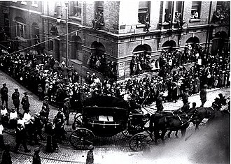 Free State Intelligence Department – Oriel House - Funeral of Arthur Griffith passes Oriel House