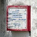 Ouidah-Plaque dédiée aux victimes de l'esclavage.jpg