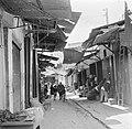 Overdekt straatje met winkels (255-0043).jpg