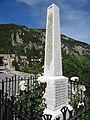 Péone - Monument aux morts.JPG