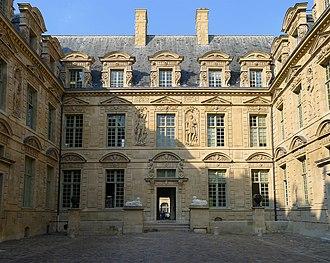 Hôtel de Sully - Image: P1200929 Paris IV hotel de Sully rwk