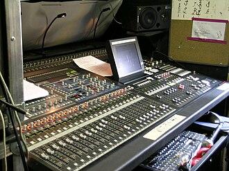 Yamaha Pro Audio - Yamaha PM5D digital mixing console (2004)