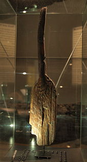 A wooden paddle from around 6.200 B.C. - Credit: Wikipedia
