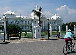 Palacio presidencial de Haiti.jpg