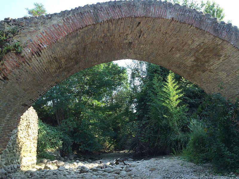 "File:Pamiers, le ""pont romain"".jpg"