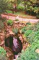 París. La gruta del parque de Buttes Chaumont (19éme Arrondissement). - panoramio.jpg
