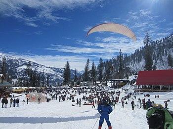 Paragliding at Solang Pass.jpg