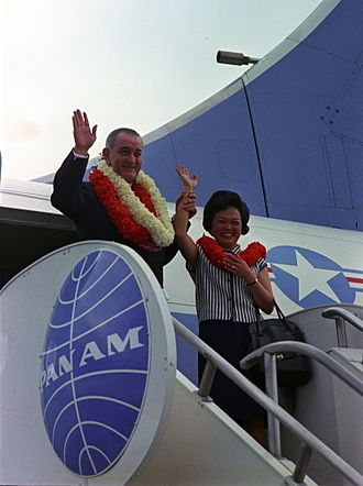 Lei (garland) - U.S. President Lyndon Johnson wears lei while visiting Hawaii