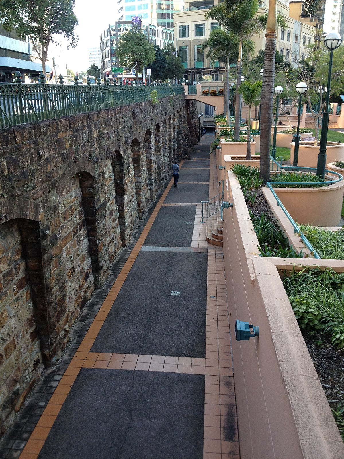 Petrie bight retaining wall wikipedia for Wall pictures