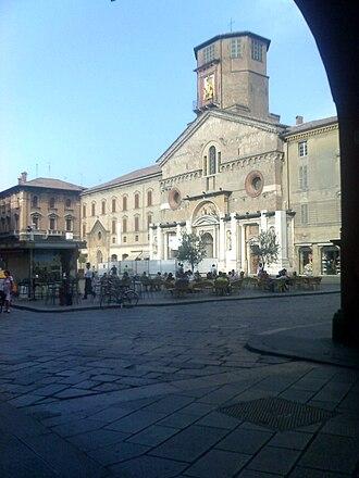 Roman Catholic Diocese of Reggio Emilia-Guastalla - Image: Piazza del duomo di reggio emilia da via farini