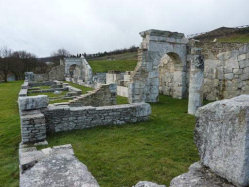 Pietrabbondante-Archi