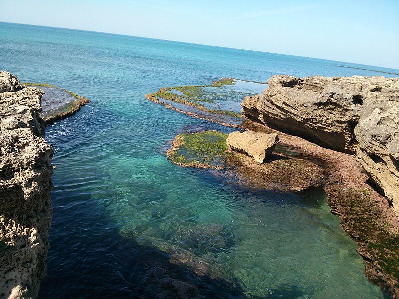 המערה הכחולה חוף הבונים