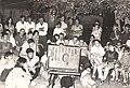 PikiWiki Israel 813 Kibuts Nir-am צופים בטלוויזיה הראשונה 1968.jpg