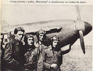 Piloci 1 Pulku Lotnictwa Mysliwskiego.jpg