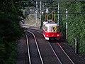 Pod Krejcárkem, tramvajová trať, tramvaj 8471.jpg