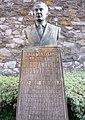 Portugalete - Monumento al escritor Juan Antonio de Zunzunegui y Loredo.jpg