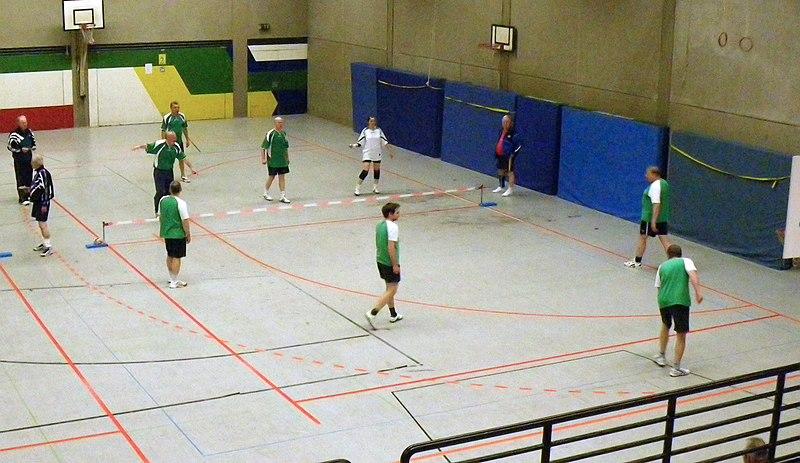 File:Prellball-Spiel.JPG