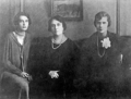 Princess Olga Paley with her daughters Irina and Natlia.png
