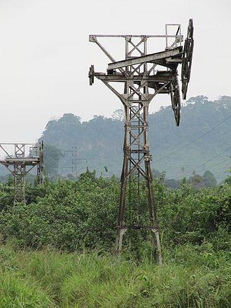Compagnie minière de l'Ogooué - Abandoned cableway pylons
