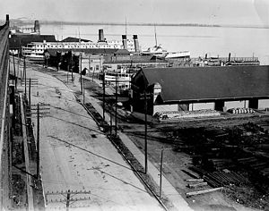 Harbourfront (Toronto) - Queen's Quay, looking east in 1910