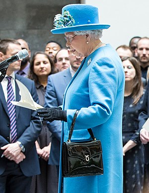 Handbag - Queen Elizabeth II, holding her handbag