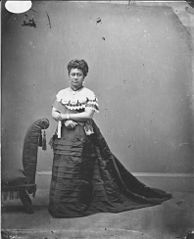 Queen Kapiolani, photograph by Menzies Dickson (PP-97-15-020).jpg