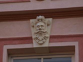 Mascaron (architecture) - Image: Rüütli 21, Tartu 3