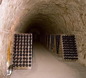 Catalan wine - Cava aging.