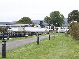 Clachnaharry - Railway swing bridge over the canal