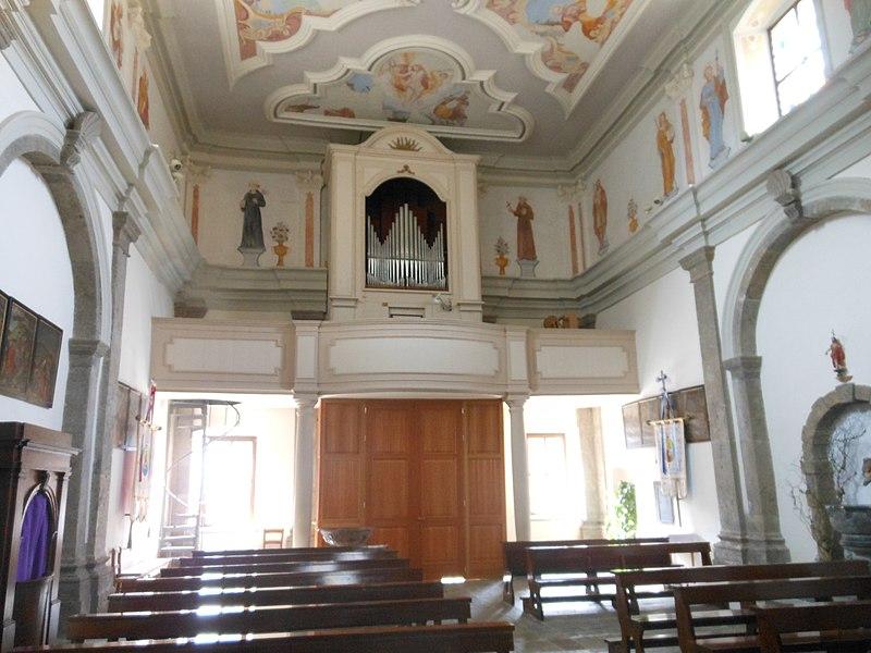 Datei:Ravascletto, Chiesa di San Matteo Apostolo, Organo Giovanni Battista Morassi.jpg