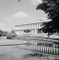 Rehovot Weizmann Institute een van de gebouwen op het terrein van het instituu, Bestanddeelnr 255-3895.jpg