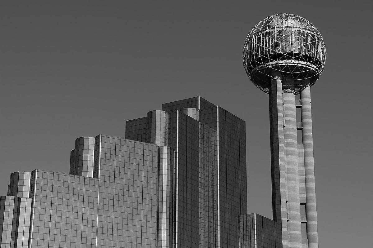 Reunion tower dallas texas 051605 kdh.jpg
