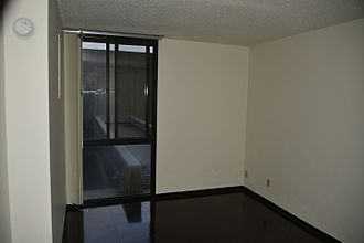 Riverside Plaza - A vacant apartment inside Riverside Plaza after the 2011-12 renovation