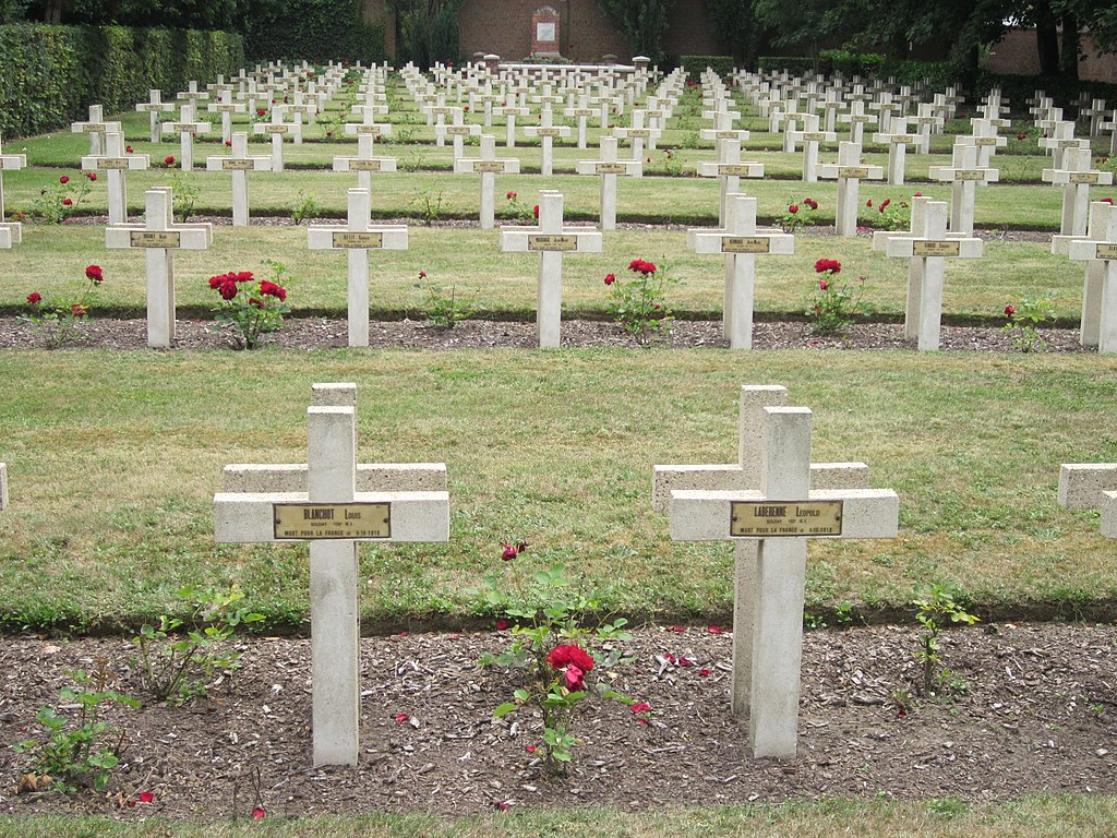 World War I graves in Roeselare, Belgium