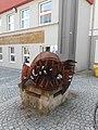 Rzeźba na ulicy Kominka.jpg