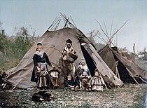 Saami Family 1900.jpg